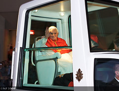 Pope Benedict XVI in Sydney for World Youth Da...