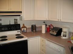 Kitchen de-cluttered