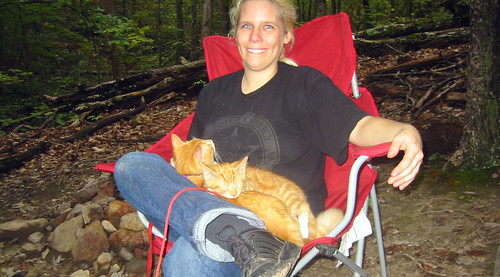 20080927 - camping - 169-6912 - Carolyn, Oranjello, Lemonjello - sitting - please click through to leave a comment on FlickR