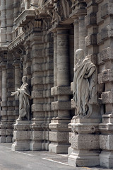 Statues at Palazzo di Giustizia