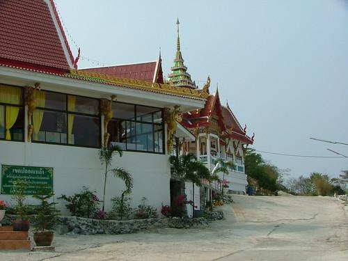 Tham Yai Prik Monastery