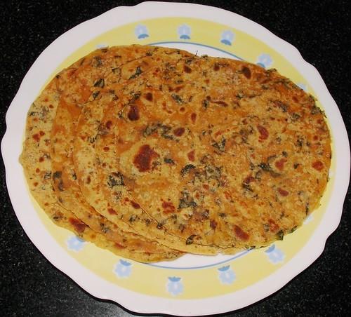 methi roti (मेथी रोटी)