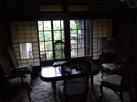 渡邉邸 椅子とテーブル