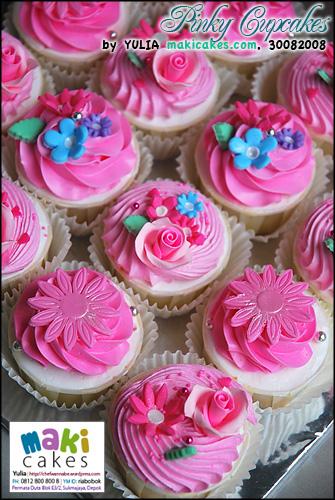 Pinky Cupcakes ver 2__ - Maki Cakes