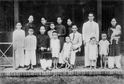Le Family Portrait