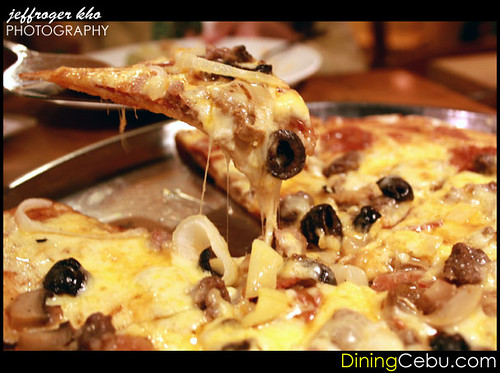 Da Vinci's Pizza Restaurant in Cebu Philippines - Buffed Up!
