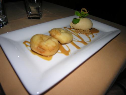 Apple beignets