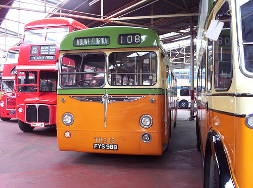 Bus-tràilidh Ghlaschu TBS13 (FYS988) by Alasdair MacCaluim