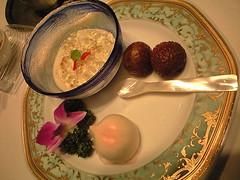 ミニ桃饅と特製杏仁豆腐とライチ@雁飯店 中国割烹 大岩