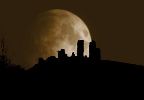 Moon over Corfe Castle