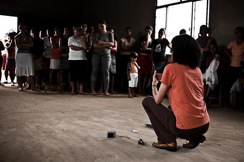Ana Luiza Apresentando o Projeto - Vale do Jequitinhonha