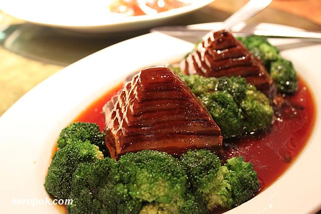 Amazing Braised Pork Roll (Yi Dao Rou)