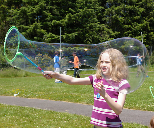 Thisbe making bubbles