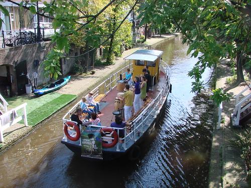 Bongo Boat