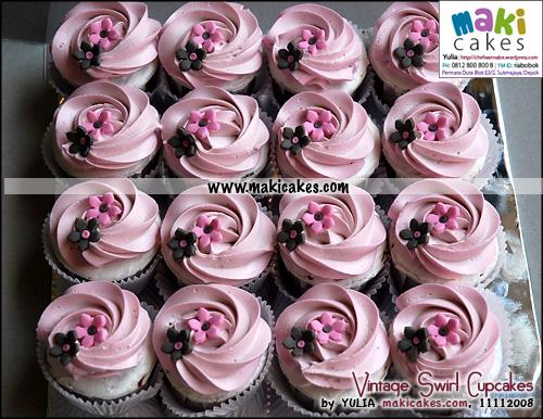 Vintage Swirl Cupcakes - Maki Cakes