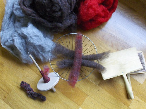 New hand spindle and new hand cards