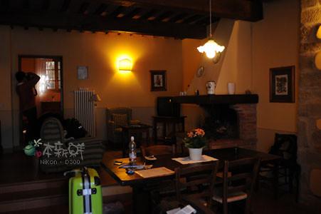 餐廳和客廳