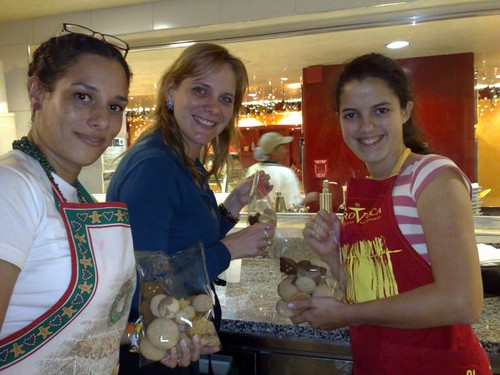 MONICA, CORINA Y MARIA ANTONIA