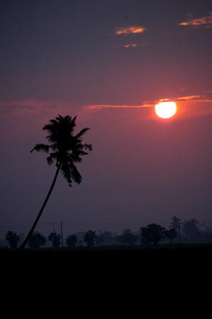Sunrise pagi lepas gerhana