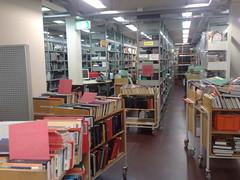 Kirjavarastossa on tunnelmaa (ja tuoksuja)