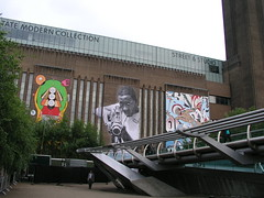 Graffiti on Tate Modern (24 May 2008)