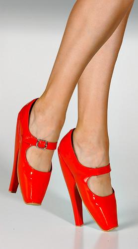 redtoeshoes