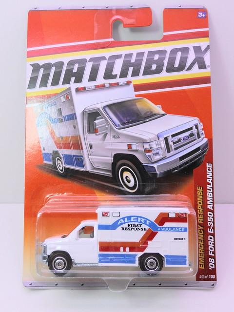 matchbox '08 Ford E-350 Ambulance alert (1)