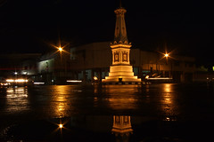 Tugu Reflection