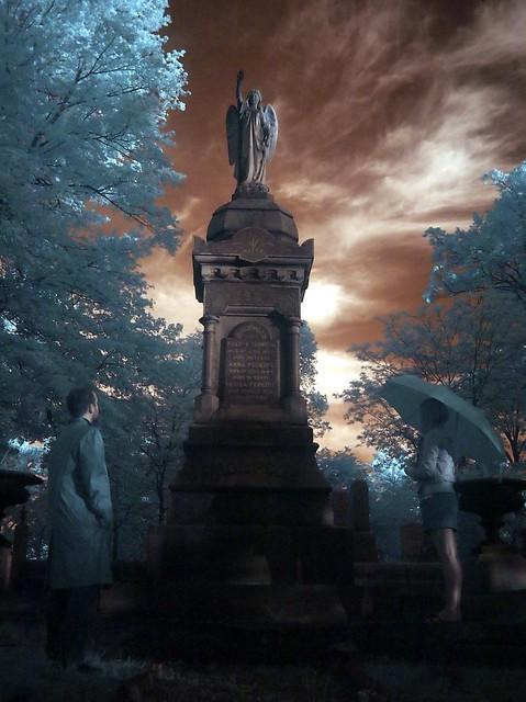 grave_ir