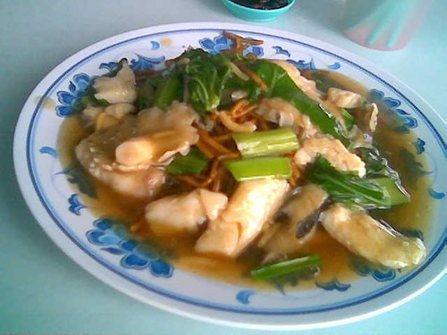 Sibu's Yong Siong's Foochow fried noodles with fish
