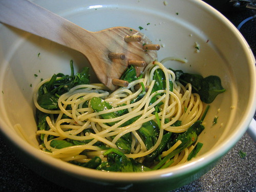 Spaghetti with Spinach and Garlic