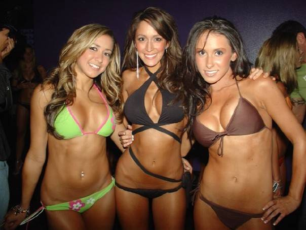 Jenn Sterger (right) and two other bikini contest competitors