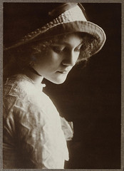 Louise Carbasse ca. 1913 / photographed by Rud...