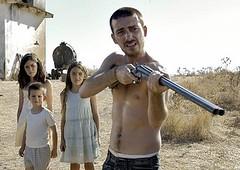 los niños y el de la escopeta
