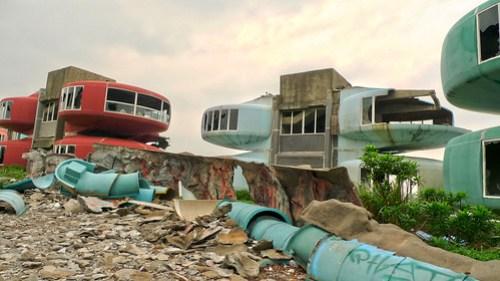 sanzhi UFO houses (HDR) 6