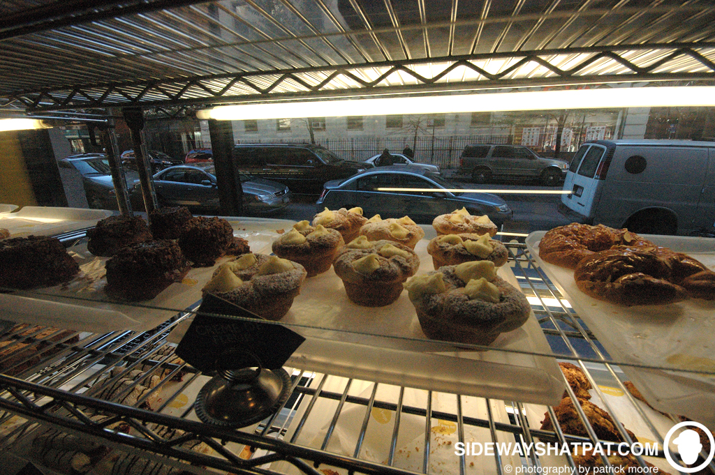 NYC08D2_creme_brule_muffin-008