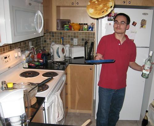 Flipping a crêpe