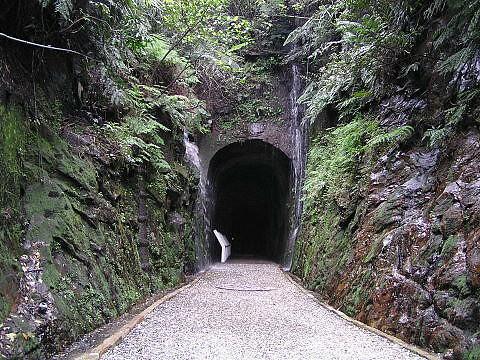 你拍攝的 台灣第一條鐵路。