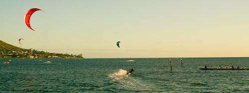 Kitesurfers in Maunalua Bay