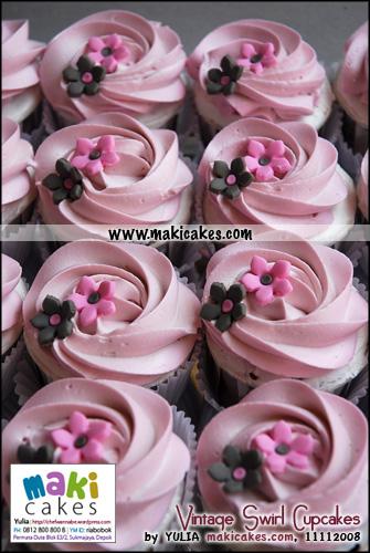 Vintage Swirl Cupcakes_ - Maki Cakes