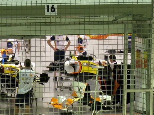 F1 garages-2-2008