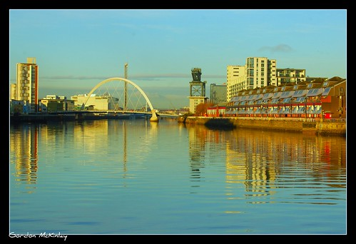 Day 330/366 - The Squinty Bridge