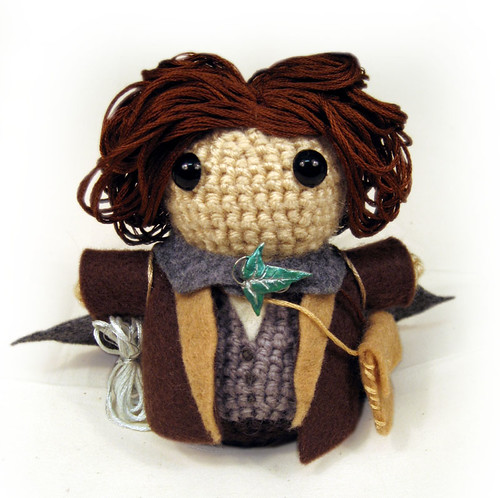 * i Giggle /i  Its a hobbit!  I love it!