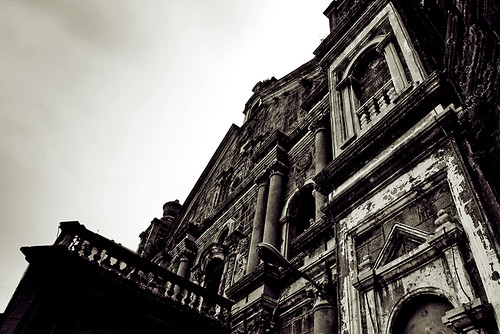 Binondo Church in Black & White