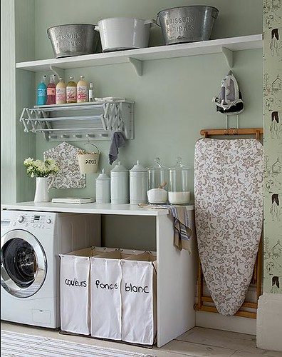 Beautiful laundry room (linked to flickr)