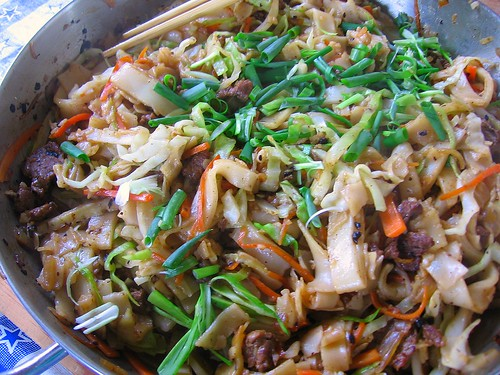 Garlicky Black Bean Beef Chow Fun
