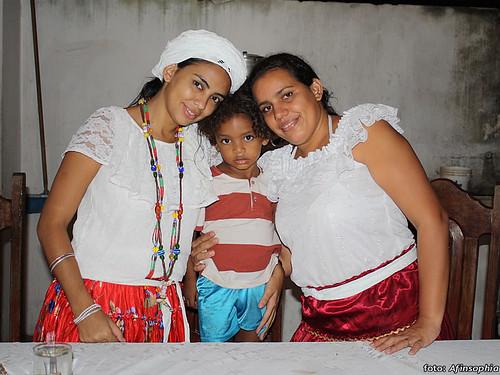 as filhas com o caçula de Seu Miguel