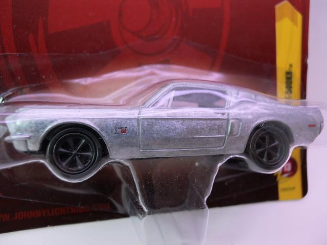 johnny lightning 2011 edition 1969 shelby gt-500kr (2)