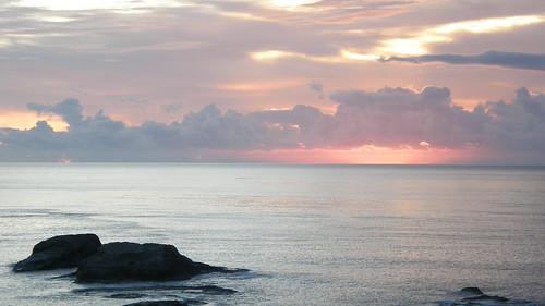 23.太陽悄悄的從海面冒出 (2)
