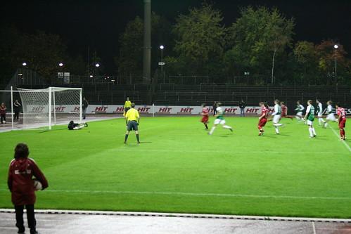 Elfer zum 2-0 durch Daniel Blankenheim